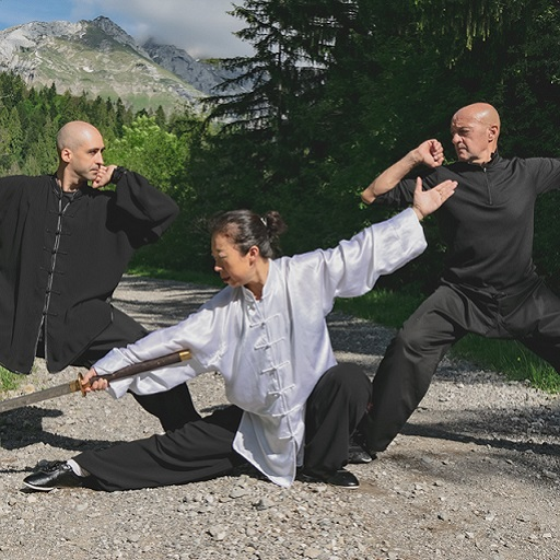 AAKF Yannick Mégoz Yu Zhao Karim Aoudia Miad Dao Extérieur